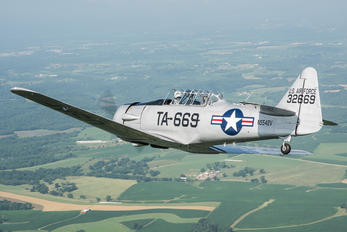 N5542V - Private North American Harvard/Texan (AT-6, 16, SNJ series)