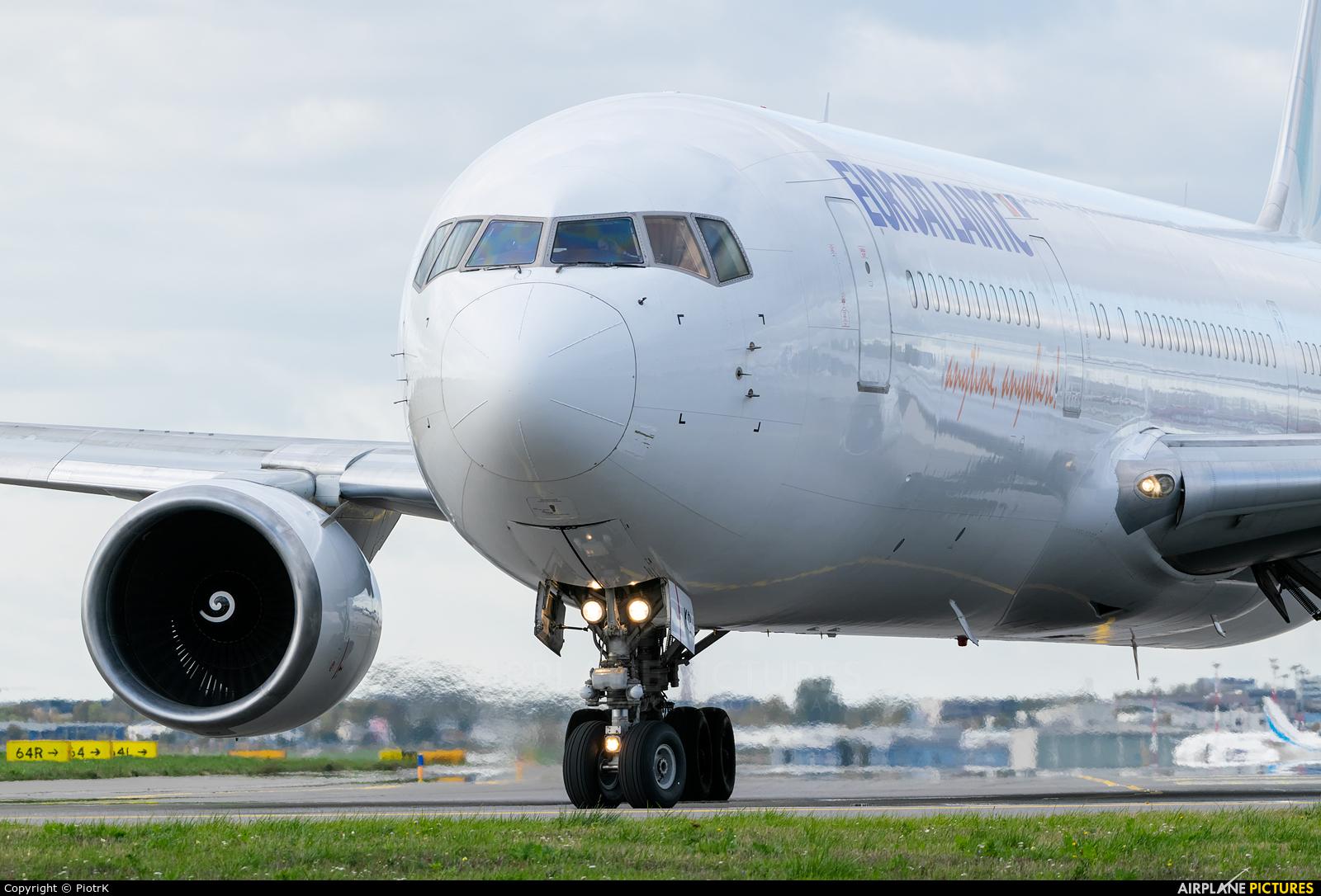 Euro Atlantic Airways CS-TKR aircraft at Warsaw - Frederic Chopin