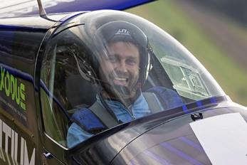 SP-YOO - Maciej Pospieszyński - Aerobatics - Aviation Glamour - People, Pilot
