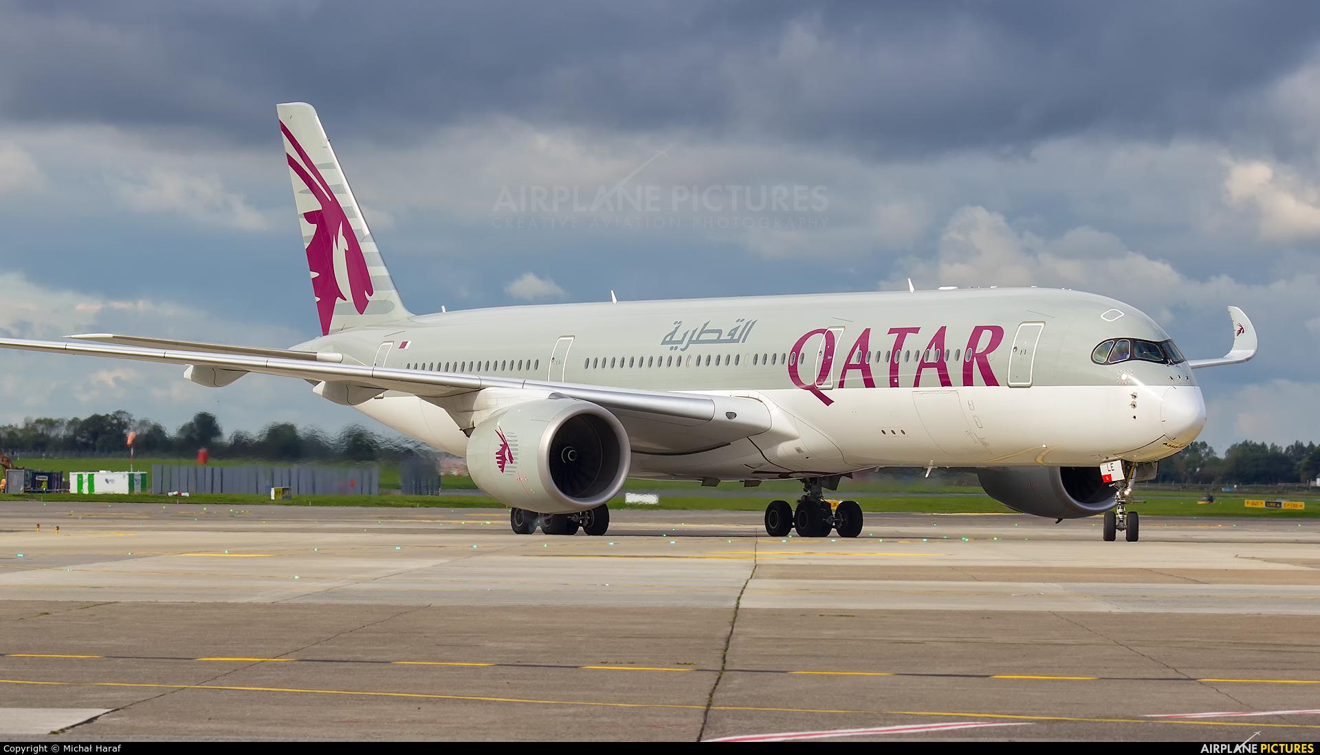 Qatar Airways A7-ALE aircraft at Dublin