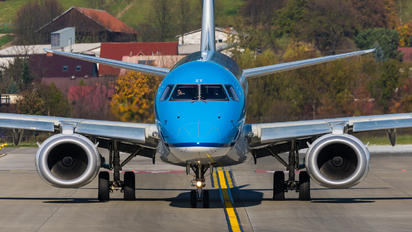 PH-EZT - KLM Cityhopper Embraer ERJ-190 (190-100)