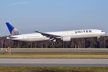 N2341U - United Airlines Boeing 777-300ER