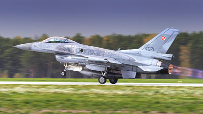4071 - Poland - Air Force Lockheed Martin F-16C Fighting Falcon