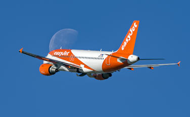 OE-LQN - easyJet Europe Airbus A319