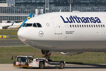 D-AIFC - Lufthansa Airbus A320