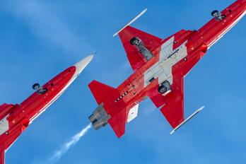 J-3084 - Switzerland - Air Force: Patrouille Suisse Northrop F-5E Tiger II