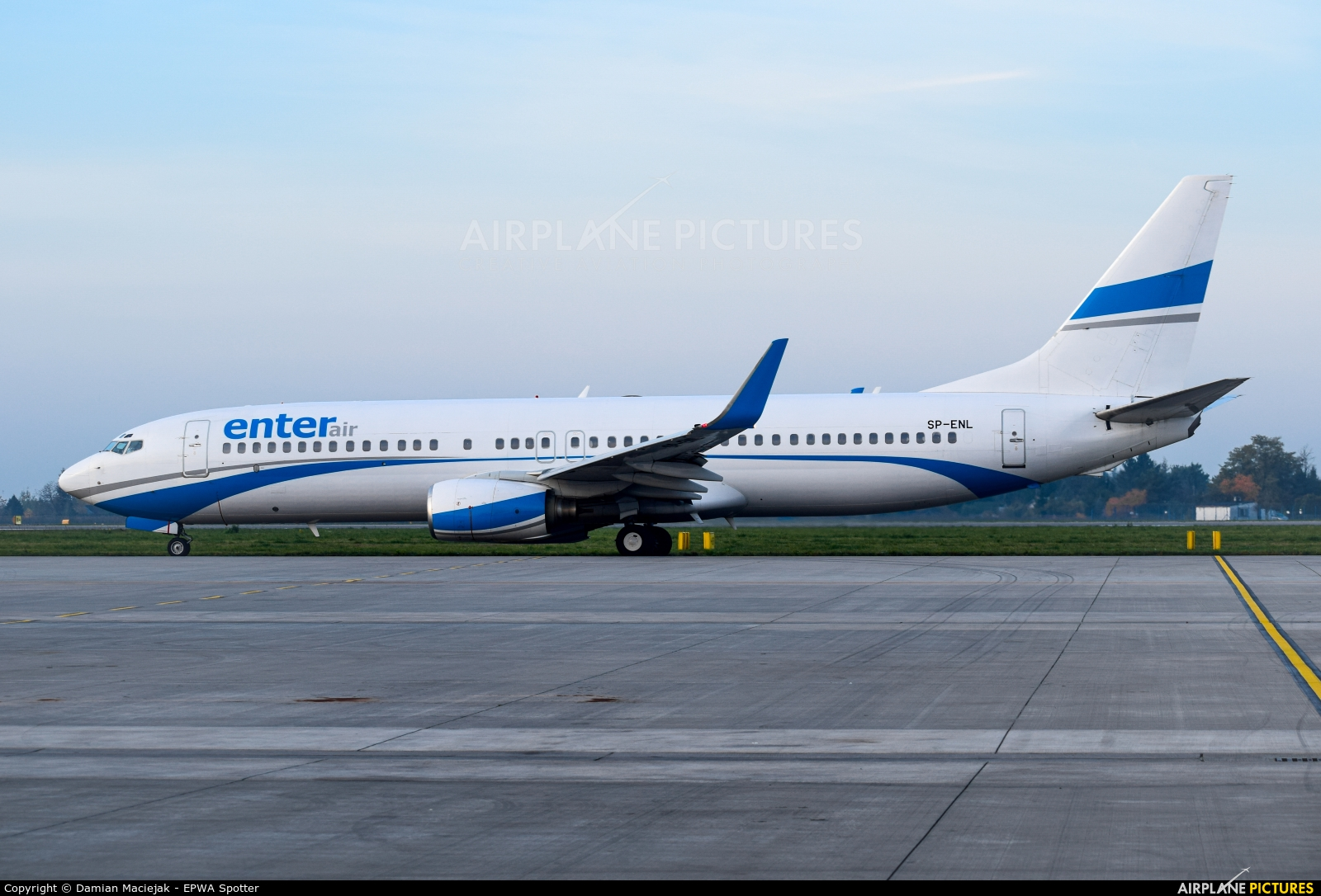 Enter Air SP-ENL aircraft at Warsaw - Frederic Chopin