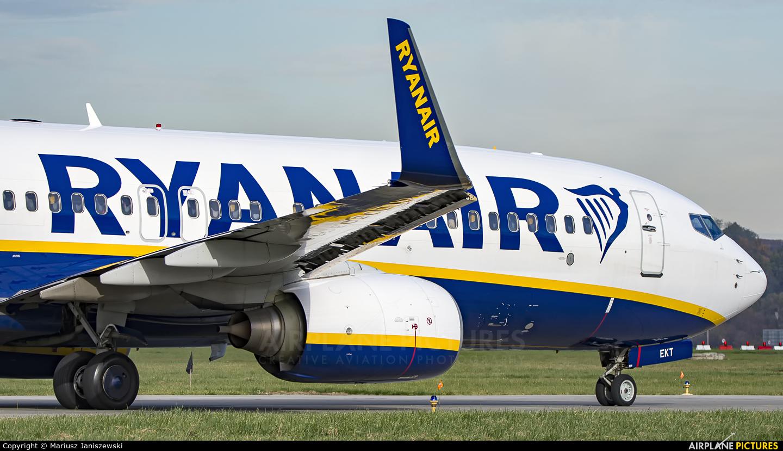 Ryanair EI-EKT aircraft at Kraków - John Paul II Intl