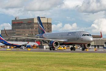 VP-BLL - Aeroflot Airbus A320