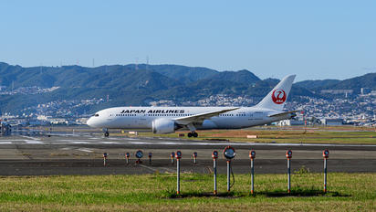 JA846J - JAL - Japan Airlines Boeing 787-8 Dreamliner