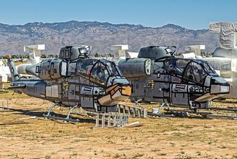 - - USA - Marine Corps Bell AH-1W Super Cobra