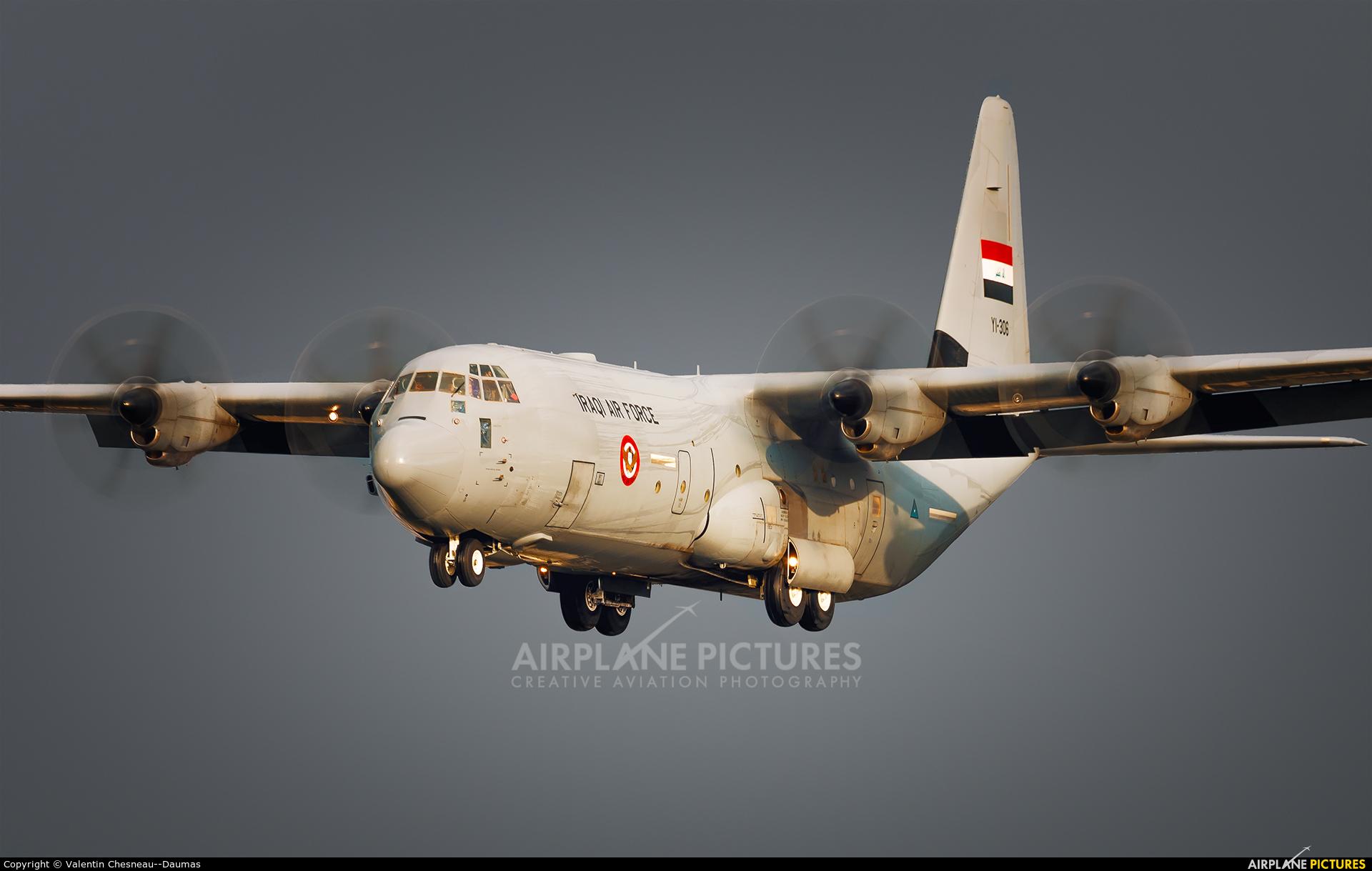 Iraq - Air Force YI-306 aircraft at Vélizy – Villacoublay
