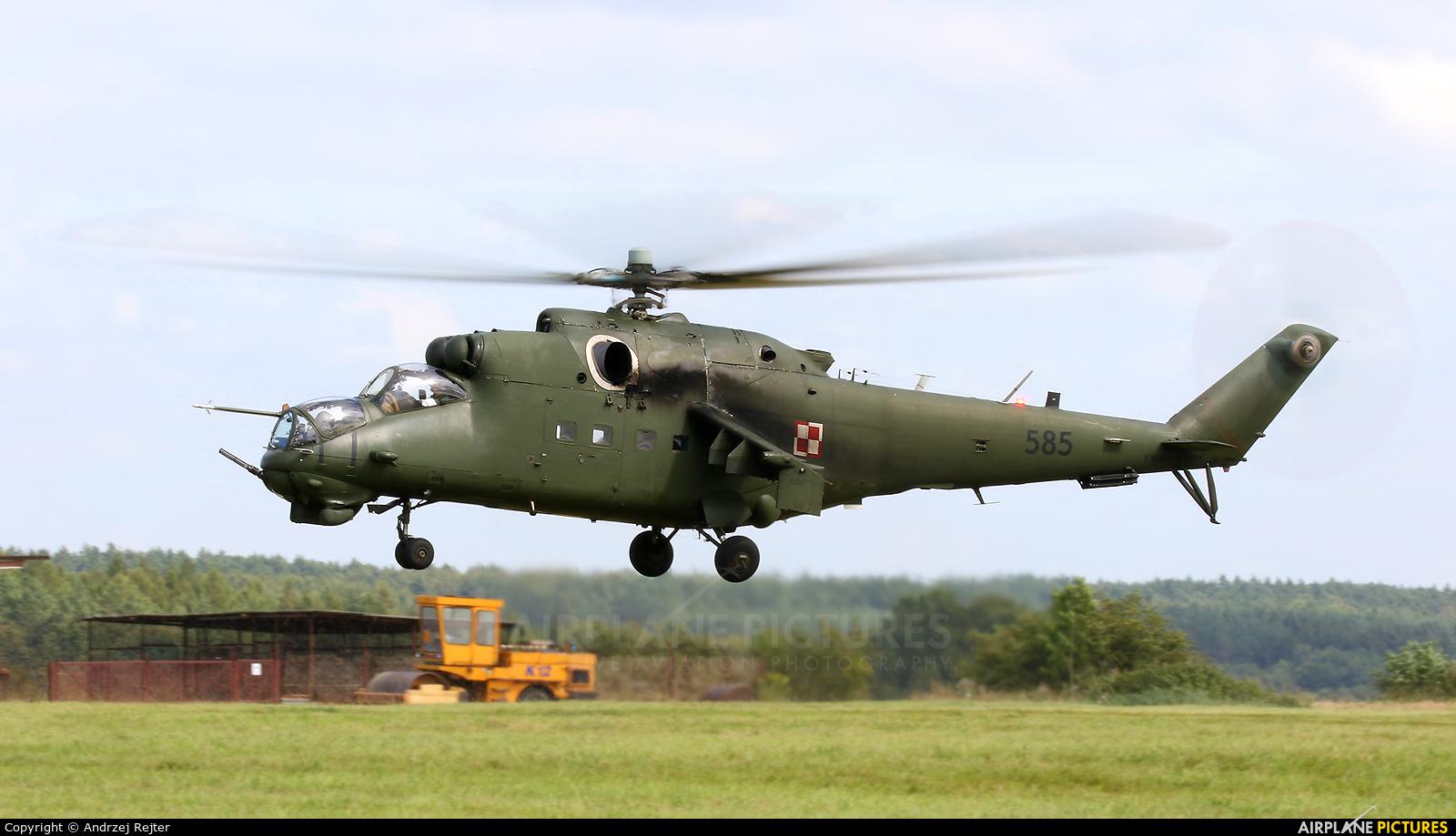 Poland - Army 585 aircraft at Kętrzyn - Wilamowo