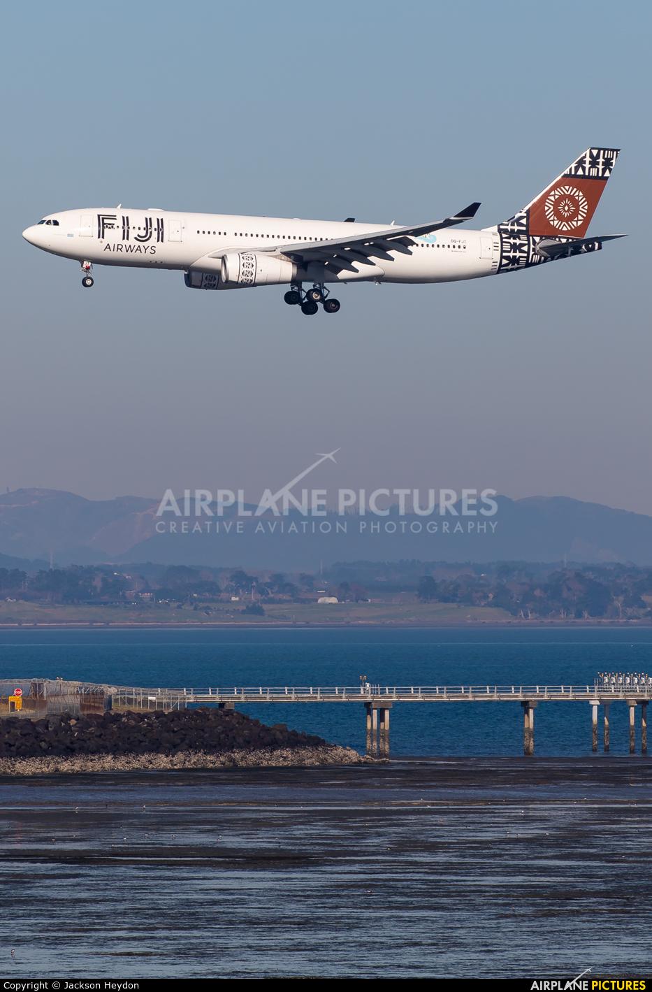 Fiji Airways DQ-FJT aircraft at Auckland Intl