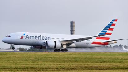 NN816AA - American Airlines Boeing 787-8 Dreamliner