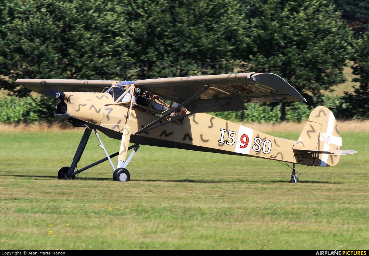 Private I-5980 aircraft at Diest Schaffen