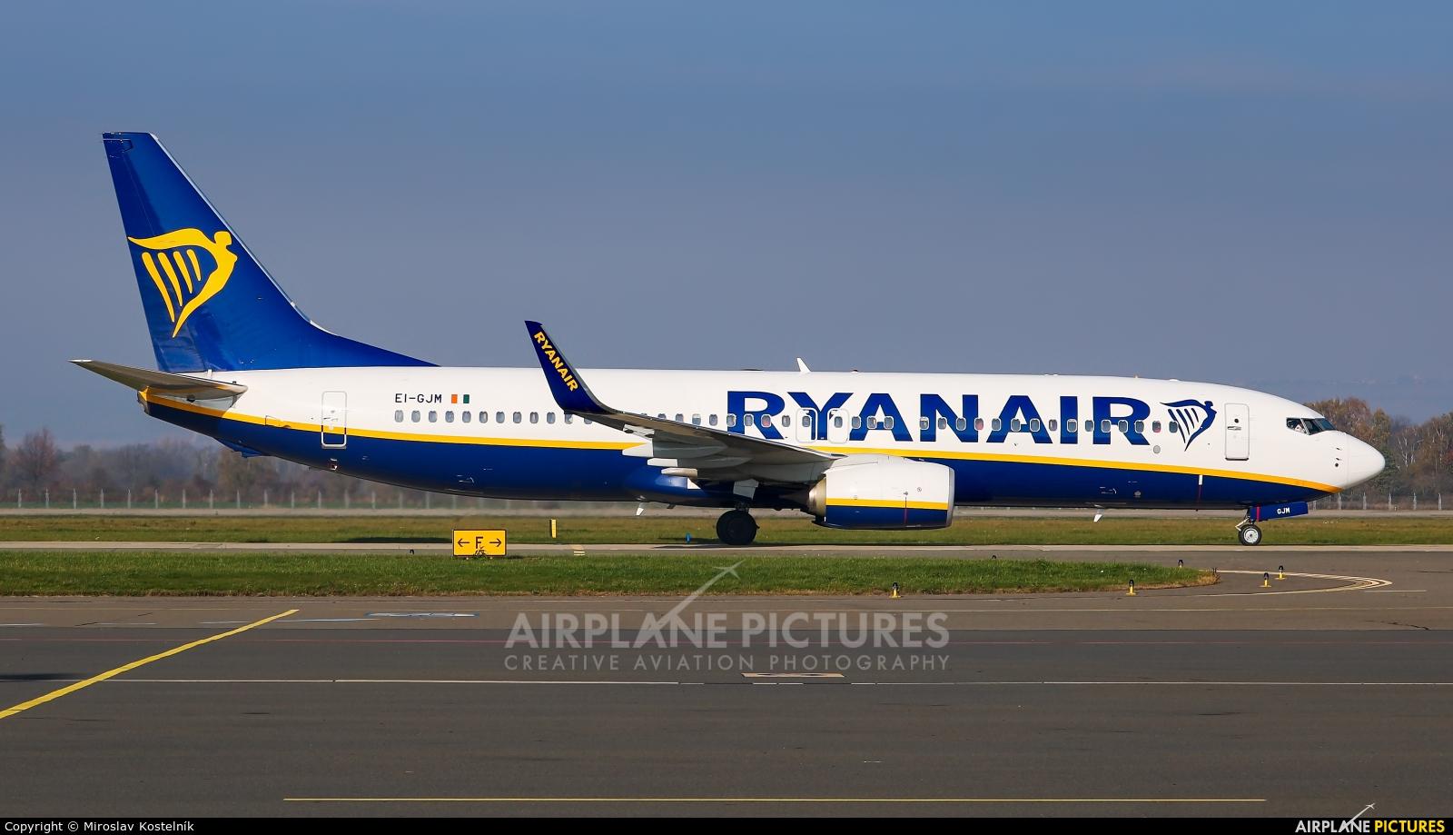 Ryanair EI-GJM aircraft at Ostrava Mošnov