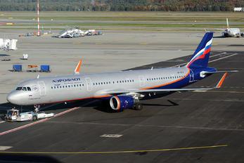 VP-BTH - Aeroflot Airbus A321
