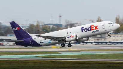OE-IBW - FedEx Federal Express Boeing 737-4Q8