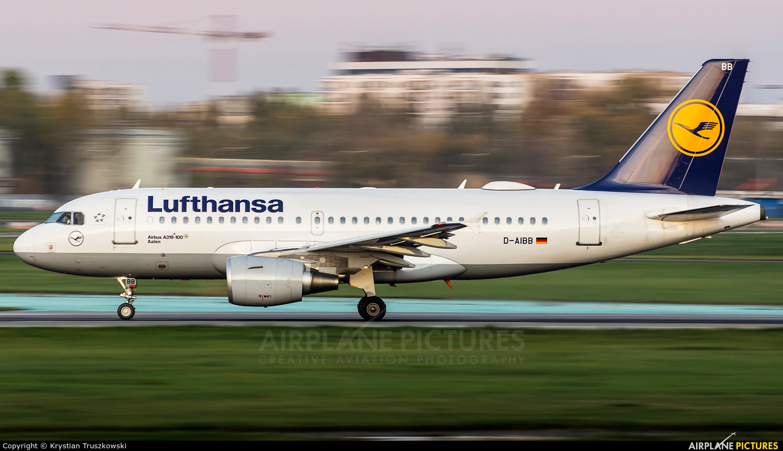 Lufthansa D-AIBB aircraft at Warsaw - Frederic Chopin