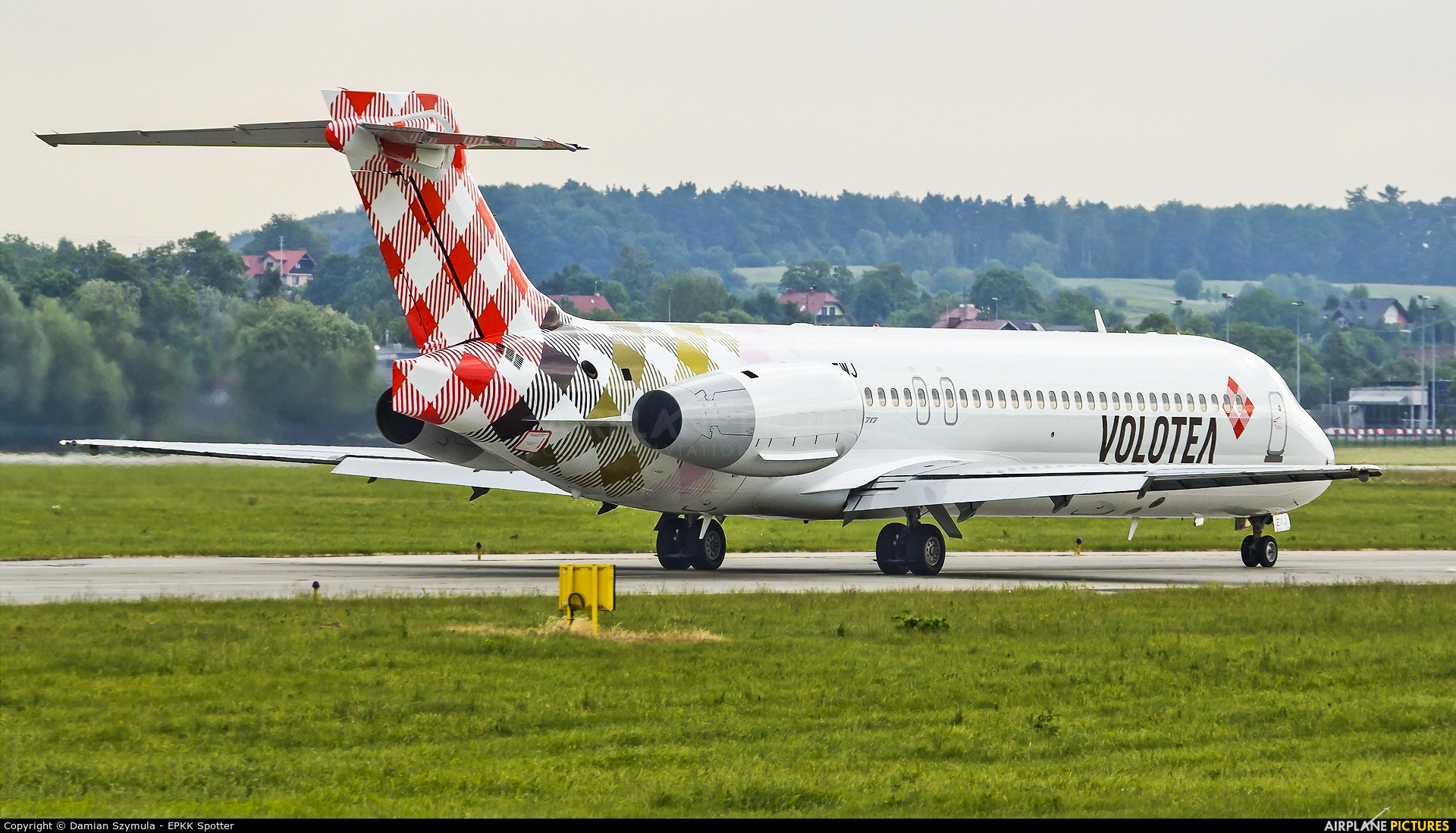Volotea Airlines EI-EWJ aircraft at Kraków - John Paul II Intl