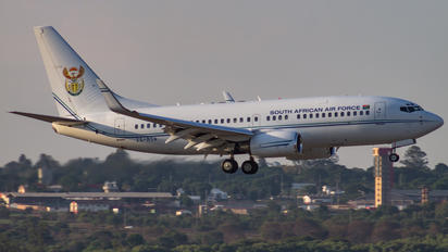 ZS-RSA - South Africa - Air Force Boeing 737-700 BBJ