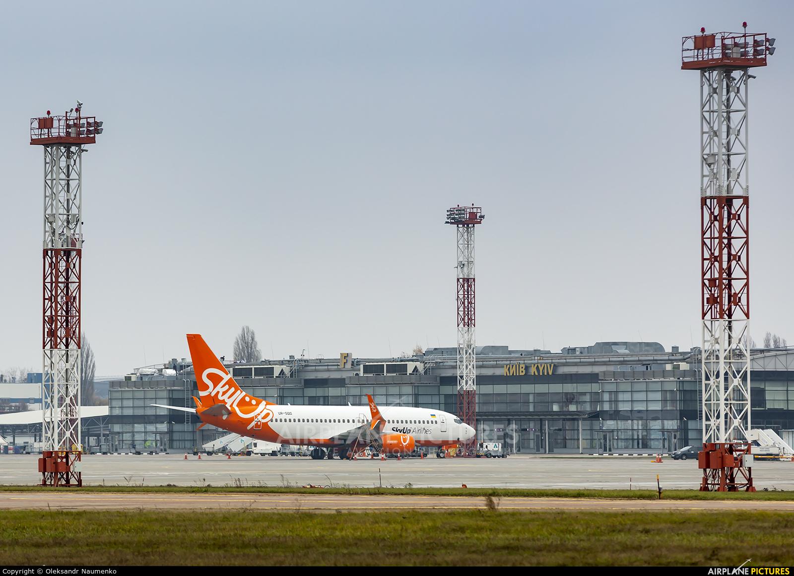 - Airport Overview UR-SQD aircraft at Kyiv - Borispol