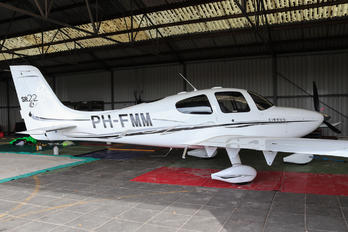 PH-FMM - Private Cirrus SR22