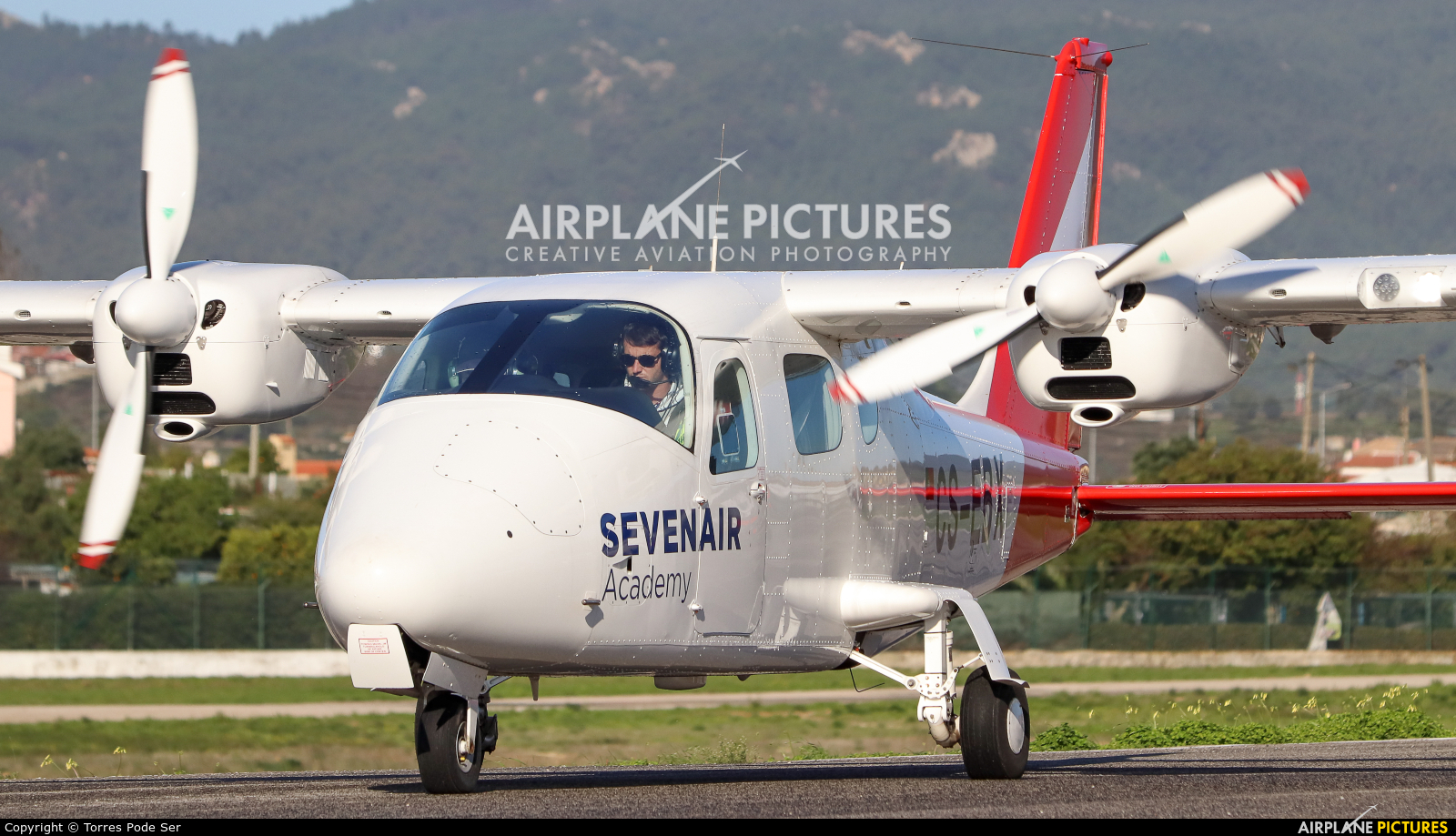 Sevenair CS-EBX aircraft at Cascais