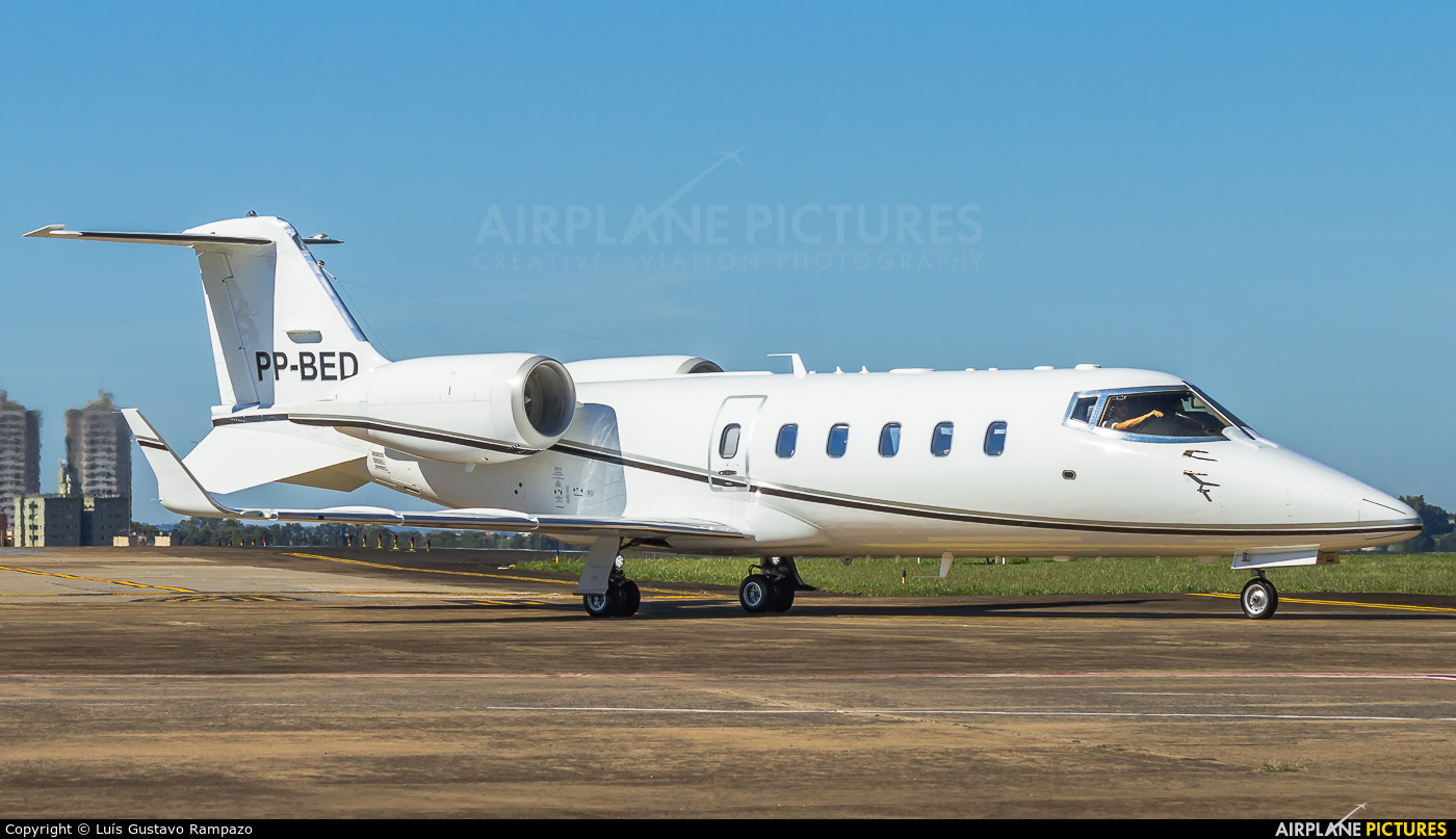 Private PP-BED aircraft at Londrina – Gov. José Richa