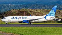 N13248 - United Airlines Boeing 737-800 aircraft