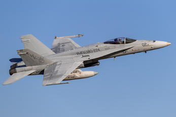 165199 - USA - Marine Corps McDonnell Douglas F-18C Hornet