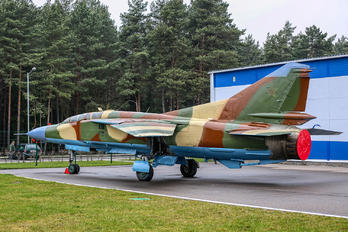 88 - Soviet Union - Air Force Mikoyan-Gurevich MiG-23UB