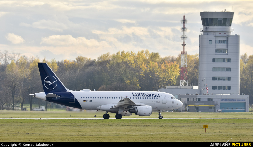 Lufthansa D-AIBC aircraft at Kraków - John Paul II Intl