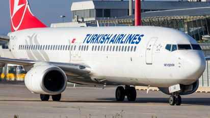 TC-JGD - Turkish Airlines Boeing 737-800