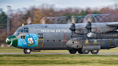178 - Pakistan - Air Force Lockheed C-130E Hercules