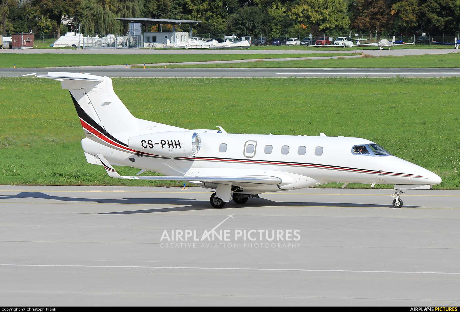NetJets Europe (Portugal) CS-PHH aircraft at Innsbruck