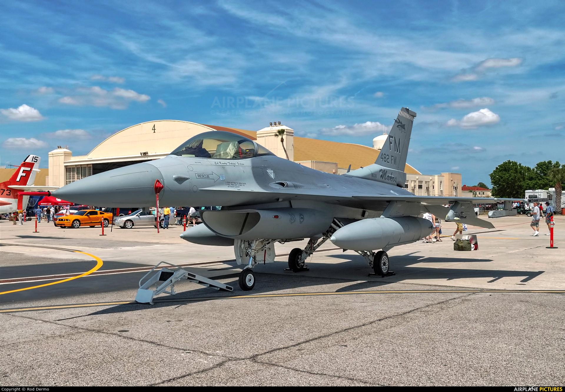 USA - Air Force 86-0318 aircraft at Tampa - MacDill AFB