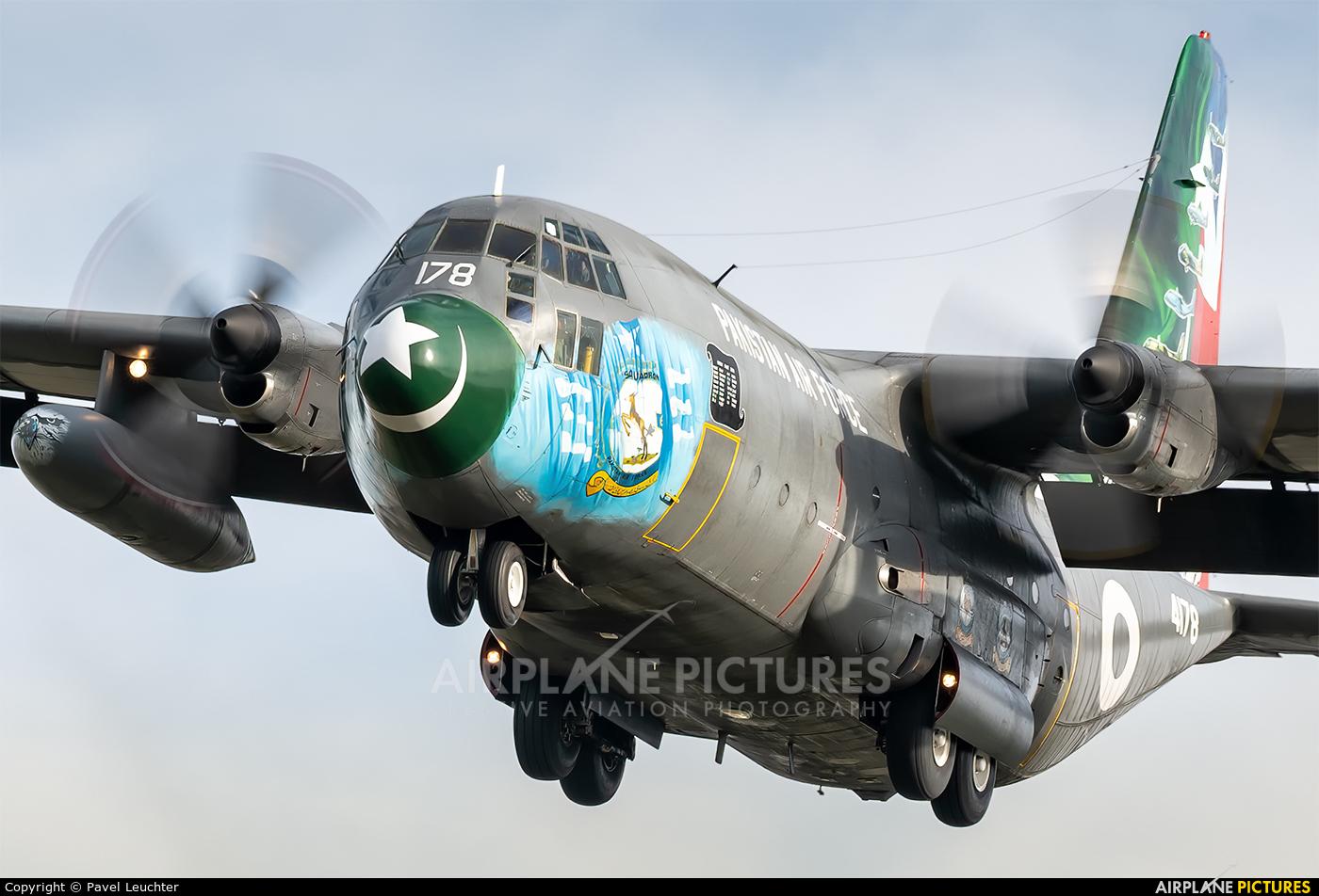 Pakistan - Air Force 4178 aircraft at Pardubice