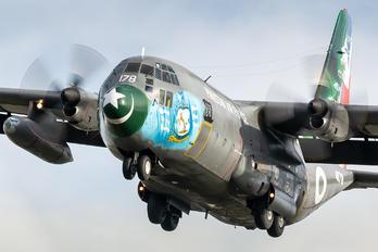 4178 - Pakistan - Air Force Lockheed C-130E Hercules