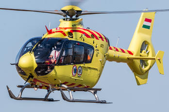 HA-HBO - Hungary - OMSZ Légimentõ (Air Ambulance Hungary) Eurocopter EC135 (all models)