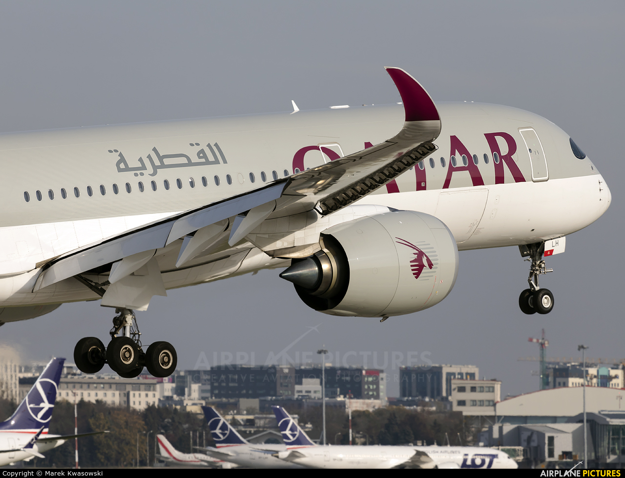 Qatar Airways A7-ALH aircraft at Warsaw - Frederic Chopin
