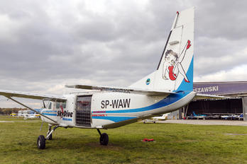 SP-WAW - Private Cessna 208 Caravan