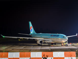 HL8228 - Korean Air Airbus A330-300