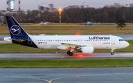 D-AIZO - Lufthansa Airbus A320 aircraft