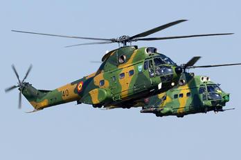 40 - Romania - Air Force IAR Industria Aeronautică Română IAR 330 Puma