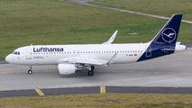 D-AIWK - Lufthansa Airbus A320 aircraft