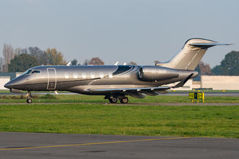 SE-RNR - Private Bombardier BD-100 Challenger 350 series