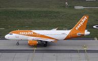 G-EZAC - easyJet Airbus A319 aircraft