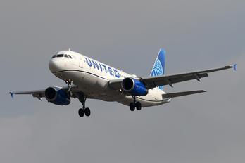N449UA - United Airlines Airbus A320
